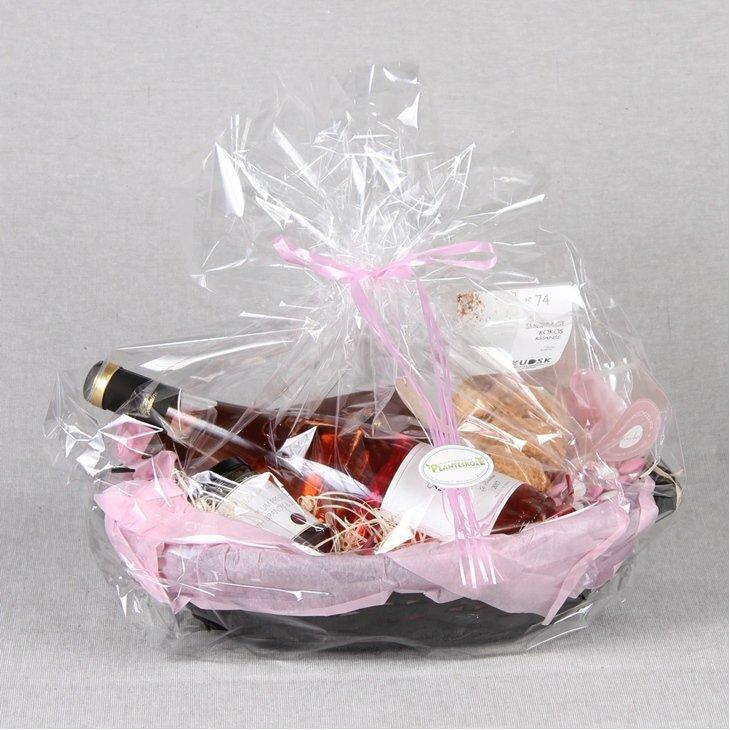 Gavekurv med delikatesser og rosevin